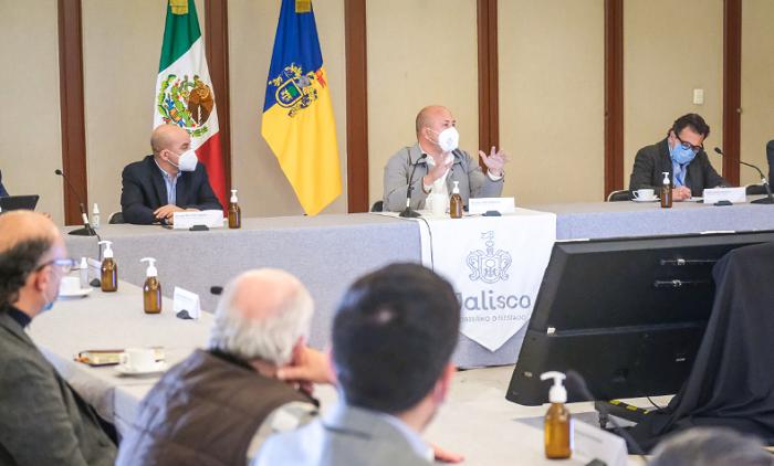 Gobierno de Jalisco e IP formalizan comité para compra de vacunas