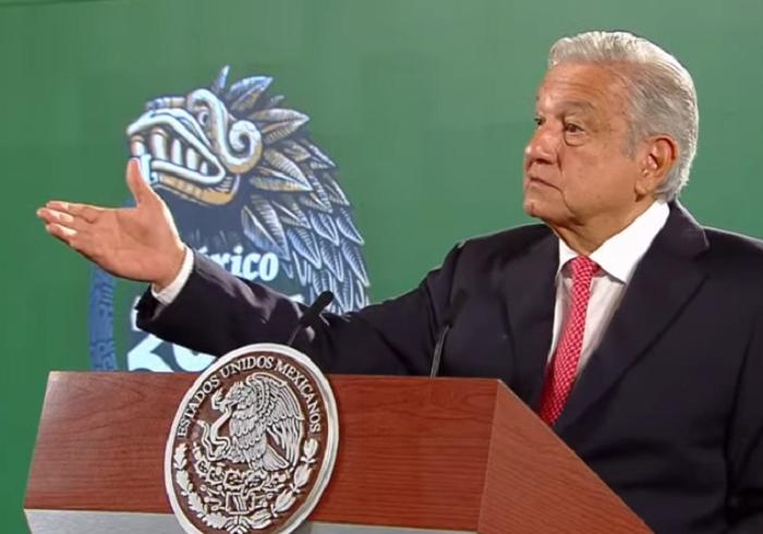 AMLO culpa al INE de escasez de recursos para consulta sobre ex presidentes