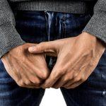Hombre eyacula por el ano; enfermedad le ocasiona este inusual padecimiento